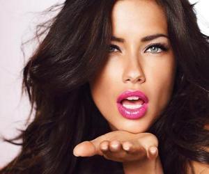Rompicapo di Adriana Lima è un modello brasiliano