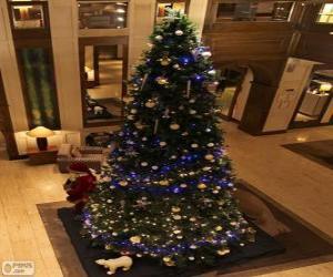 Rompicapo di Albero di Natale decorato con ornamenti scintillanti
