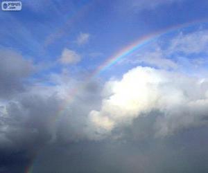 Rompicapo di Arcobaleno tra nuvole