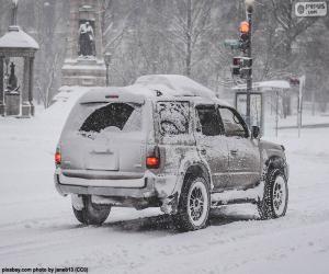 Rompicapo di Auto guida con neve
