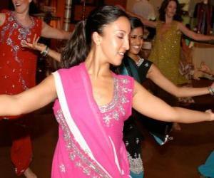 Rompicapo di Ballerina indù nel festival delle luci, il Diwali