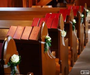 Rompicapo di Banchi di chiesa ornate