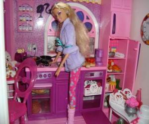 Rompicapo di Barbie in cucina
