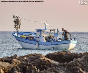Rompicapo di Barca da pesca in mare
