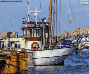 Rompicapo di Barca da pesca nel porto