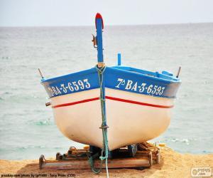 Rompicapo di Barca incagliata sulla spiaggia