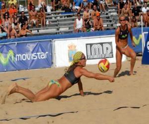 Rompicapo di Beach Volley - Giocatore di salvare una palla agli occhi del suo compagno