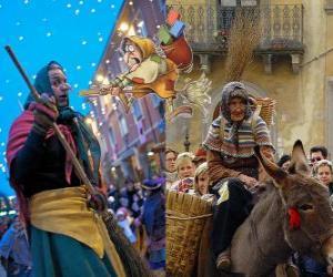 Rompicapo di Befana è una donna vecchia sorridente che vola su una scopa che trasportano caramelle o carbone ai bambini in Italia