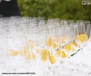 Rompicapo di Bicchieri di vetro per un banchetto