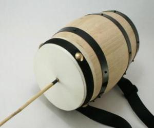 Rompicapo di Caccarella o cupa-cupa, strumento a percussione tipico di Natale