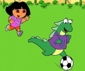 Rompicapo di Calcio Dora giocando con la sua amica Isa l'iguana