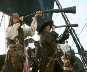 Rompicapo di Capitano della nave pirata a guardare un'altra nave con il telescopio