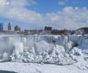 Rompicapo di Cascate del Niagara congelata dal vortice polare