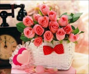 Rompicapo di Cesto di rose rosa e cuori