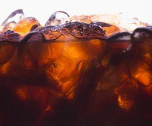 Rompicapo di Coca-Cola con ghiaccio