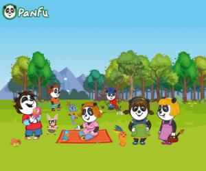 Rompicapo di Diversi giovani Panfu Panda nel parco
