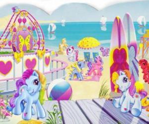 Rompicapo di Diversi piccoli pony in spiaggia. My Little Pony