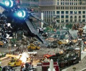 Rompicapo di Diversi Transformers combattere in città