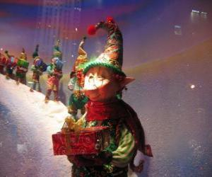 Rompicapo di Elfi di Babbo Natale che trasporta un regalo