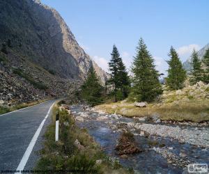 Rompicapo di Fiume, strada di montagna
