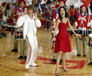 Rompicapo di Gabriella Montez (Vanessa Hudgens) Troy Bolton (Zac Efron), cantando e ballando