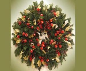 Rompicapo di ghirlanda di Natale con frutta