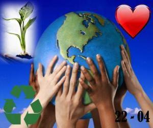 Rompicapo di Giorno della Terra, il 22 aprile. Un mondo felice, un mondo di riciclaggio e di amore per l'ambiente