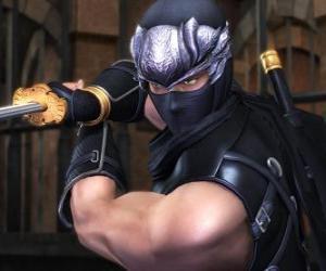 Rompicapo di Guerriero ninja con la spada in mano
