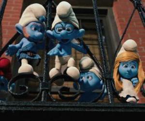 Rompicapo di I Puffi pronto a saltare dal balcone