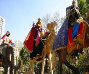 Rompicapo di I tre Re Magi a cavallo di cammelli