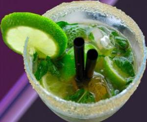 Rompicapo di Il cocktail mojito popolare è un nativo di Cuba, fatta di rum, zucchero (o sciroppo di zucchero), lime, menta, o menta e acqua frizzante.