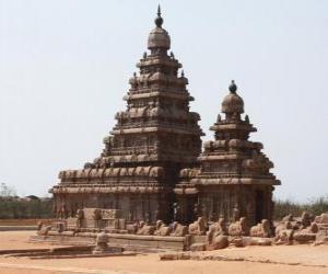 Rompicapo di Il Tempio della spiaggia si affaccia sul Golfo del Bengala ed è costruito con blocchi di granito, Mahabalipuram, India