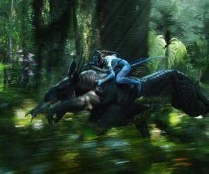 Rompicapo di Jake in sella a una bestia alata noto come toruk, l'animale più pericoloso di Pandora.