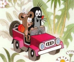 Rompicapo di Krtek la piccola talpa alla guida di una jeep insieme al topolino