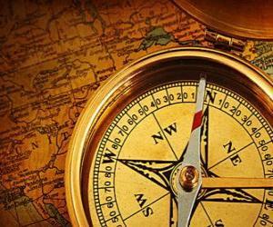 Rompicapo di La bussola e cartina alcuni accessori essenziali per esploratori e avventurieri