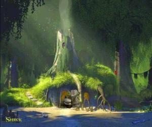 Rompicapo di La casa di Shrek nella palude circondata da vegetazione