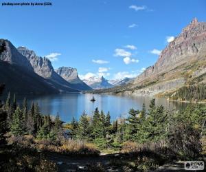 Rompicapo di Lago, montagne rocciose