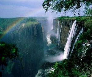 Rompicapo di Le Cascate Vittoria sul fiume Zambesi, al confine tra Zambia e Zimbabwe