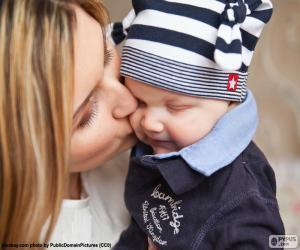 Rompicapo di Madre che bacia il suo bambino