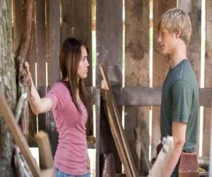 Rompicapo di Miley Stewart (Miley Cyrus) parla con Travis Brody (Lucas Till)