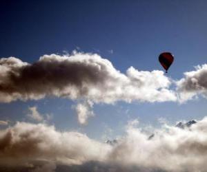 Rompicapo di Mongolfiera tra le nuvole