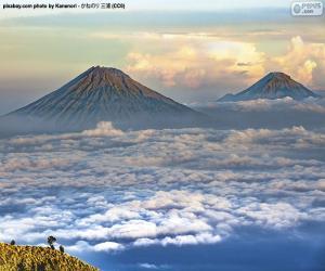 Rompicapo di Montagne Sindoro e Sumbing, Indonesia