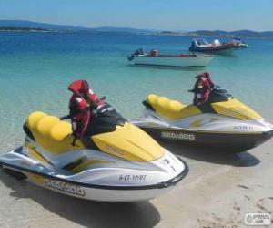 Rompicapo di Moto d'acqua. Natante di diporto, imbarcazioni ricreative