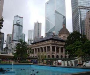 Rompicapo di Neoclassico edificio nella città di Hong Kong