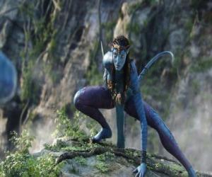Rompicapo di Neytiri, uno na'vi, una razza di umanoidi sul pianeta Pandora, con una lunga coda