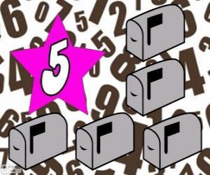 Rompicapo di Numero 5 in una stella con cinque caselle postale