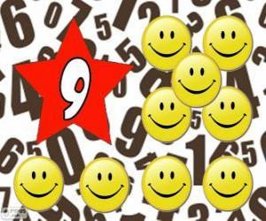 Rompicapo di Numero 9 in una stella con nove smiles o sorrisi
