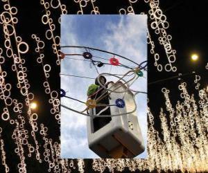 Rompicapo di operatore immissione ornamentali luci di Natale