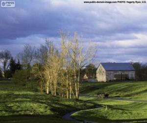 Rompicapo di Paesaggio con una stalla della fattoria