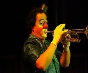 Rompicapo di Pagliaccio o clown o pupazzo suonare la tromba